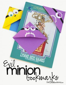 Quick and Easy Minion Bookmark Kids Craft|Perfect for a Minion Birthday Party! {OneCreativeMommy.com} Have you ever seen these origami bookmarks? They're so easy and fun to use.